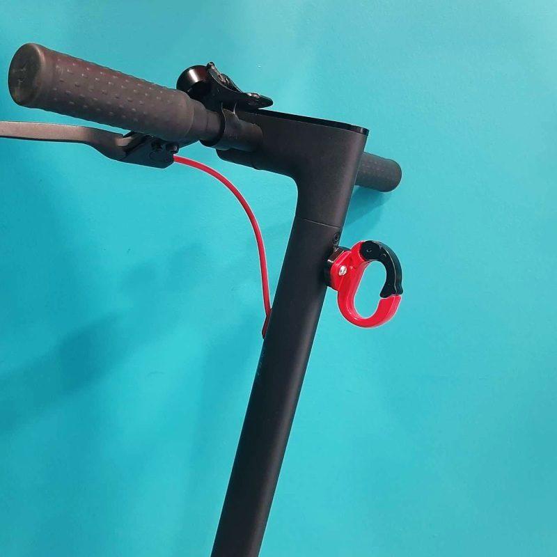 Μεταλλικός γάντζος e-scooter